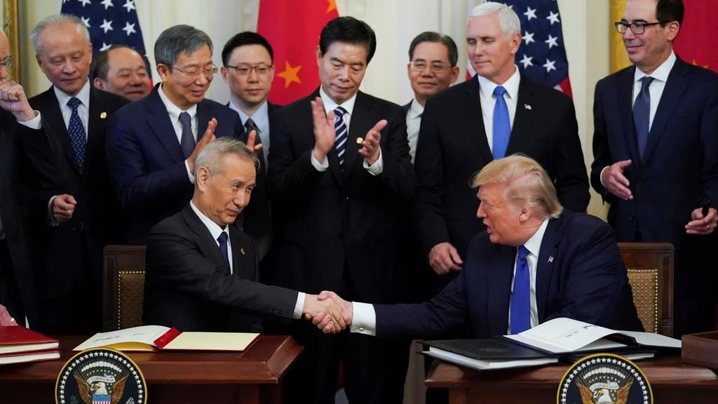 Virus Vu Han de doa thanh tich kinh te cua Tong thong My Donald Trump hinh anh 3 phase1.jpg