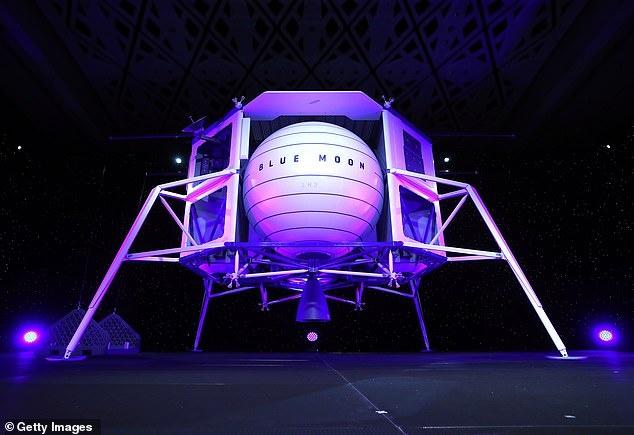 Su menh Artemis cua NASA duoc trao cho cong ty cua Elon Musk va Jeff Bezos anh 3