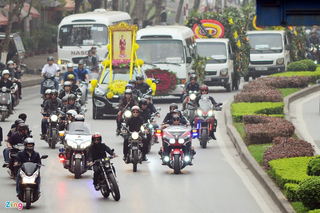 MC Anh Tuan dan dau doan biker Ha Noi tien dua Tran Lap hinh anh 9