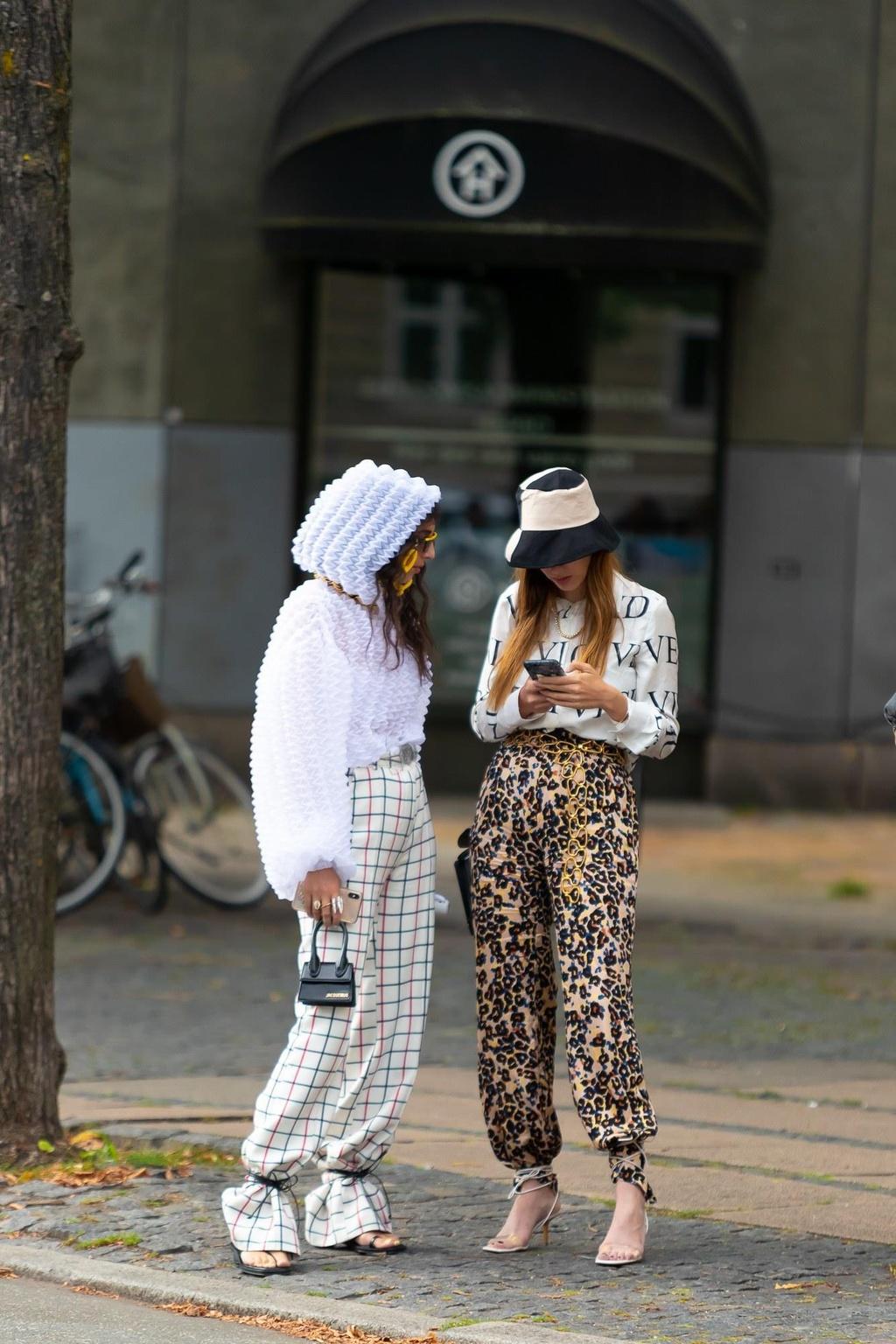 Nhung bo do street style dep nhat Tuan le thoi trang Copenhagen hinh anh 10