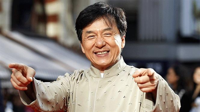 Thanh Long - vua vo thuat mat danh vi loi song trac tang hinh anh 1