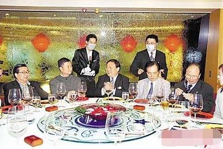 Showbiz Hong Kong kiet que the nao vi dai dich SARS? hinh anh 5 7aa3_ipmxpvy7239311.jpg