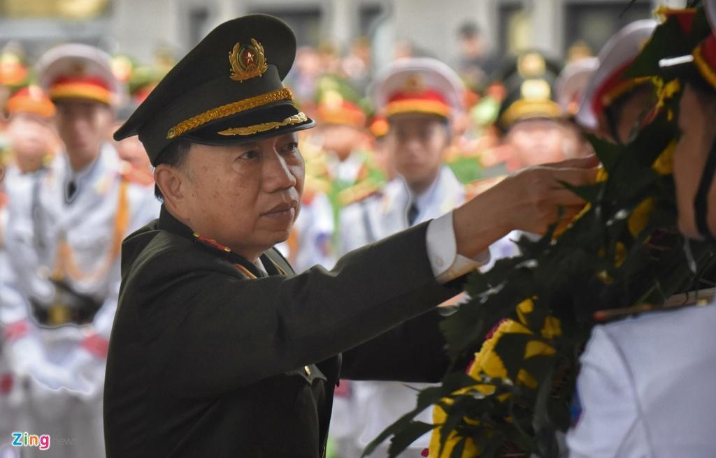 Thu tuong vieng 3 canh sat hy sinh tai Dong Tam hinh anh 4 242b64131565ed3bb474_zing.jpg