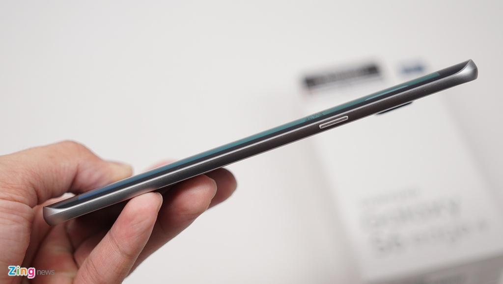 Mo hop Galaxy S6 edge+ chinh hang vua len ke o VN hinh anh 5
