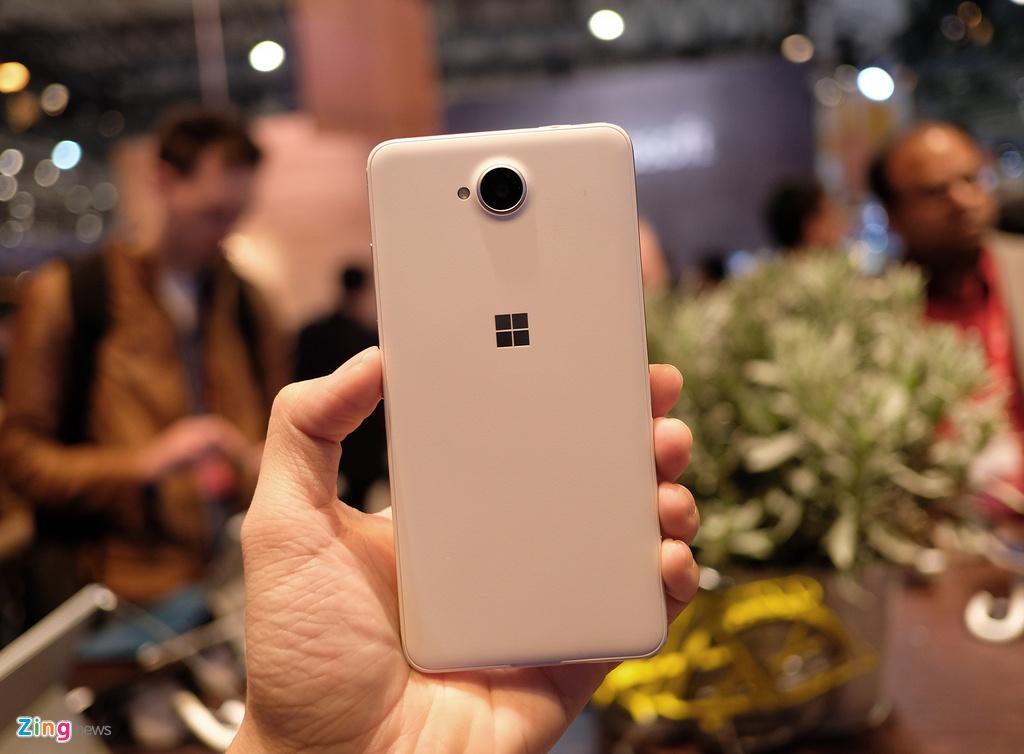 Lumia 650 vo kim loai, dang mong xuat hien tai MWC 2016 hinh anh 2