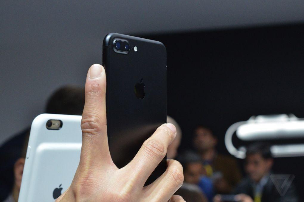 Anh va video thuc te iPhone 7 Plus: Camera kep xoa phong hinh anh 7
