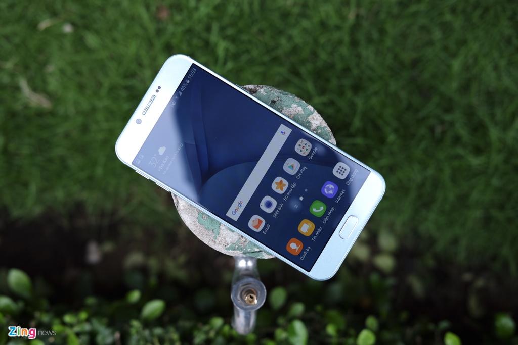 Galaxy A8 2016 xanh ngoc xach tay ve VN, gia 9 trieu dong hinh anh 1