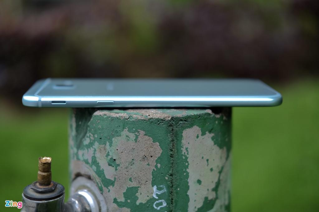 Galaxy A8 2016 xanh ngoc xach tay ve VN, gia 9 trieu dong hinh anh 4