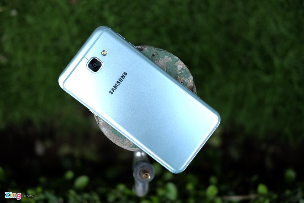 Galaxy A8 2016 xanh ngoc xach tay ve VN, gia 9 trieu dong hinh anh 2