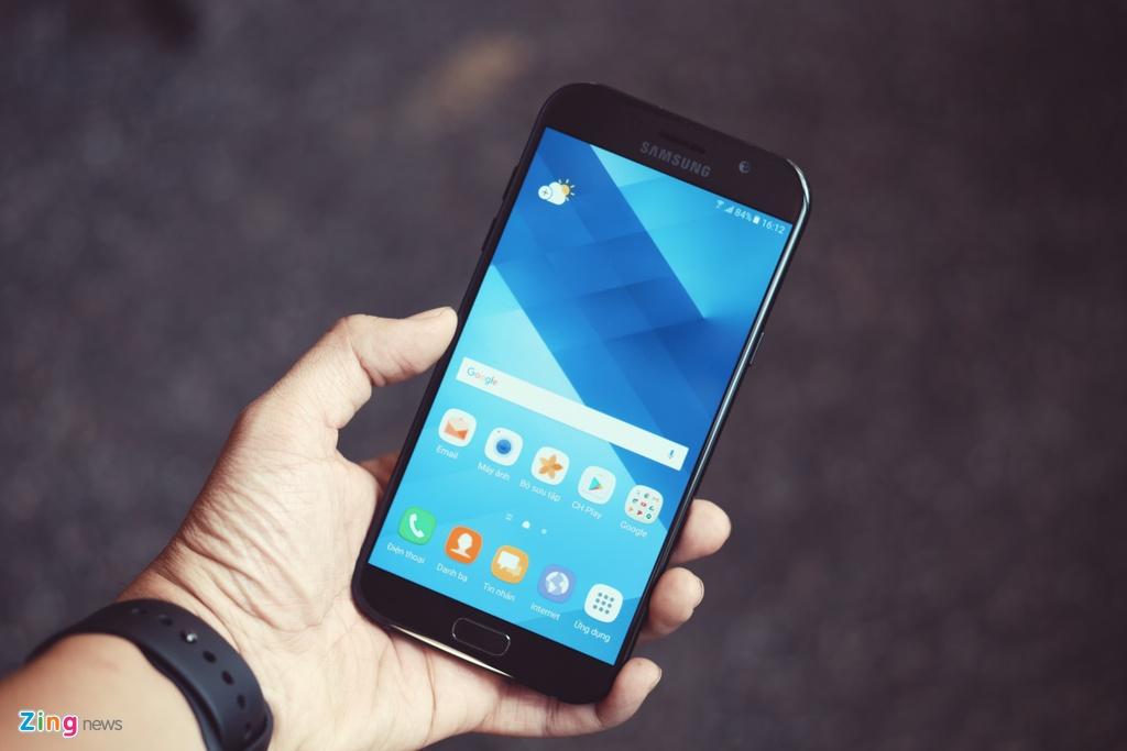 Samsung Galaxy A7: Bom tan gia mem hinh anh 1