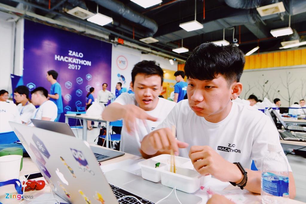 Chung ket Zalo Hackathon 2017 dang dien ra o Sai Gon hinh anh 12