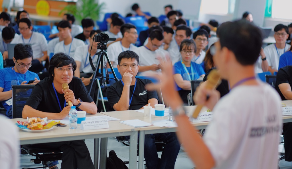 Ung dung chong beo phi gianh quan quan Zalo Hackathon 2017 hinh anh 2