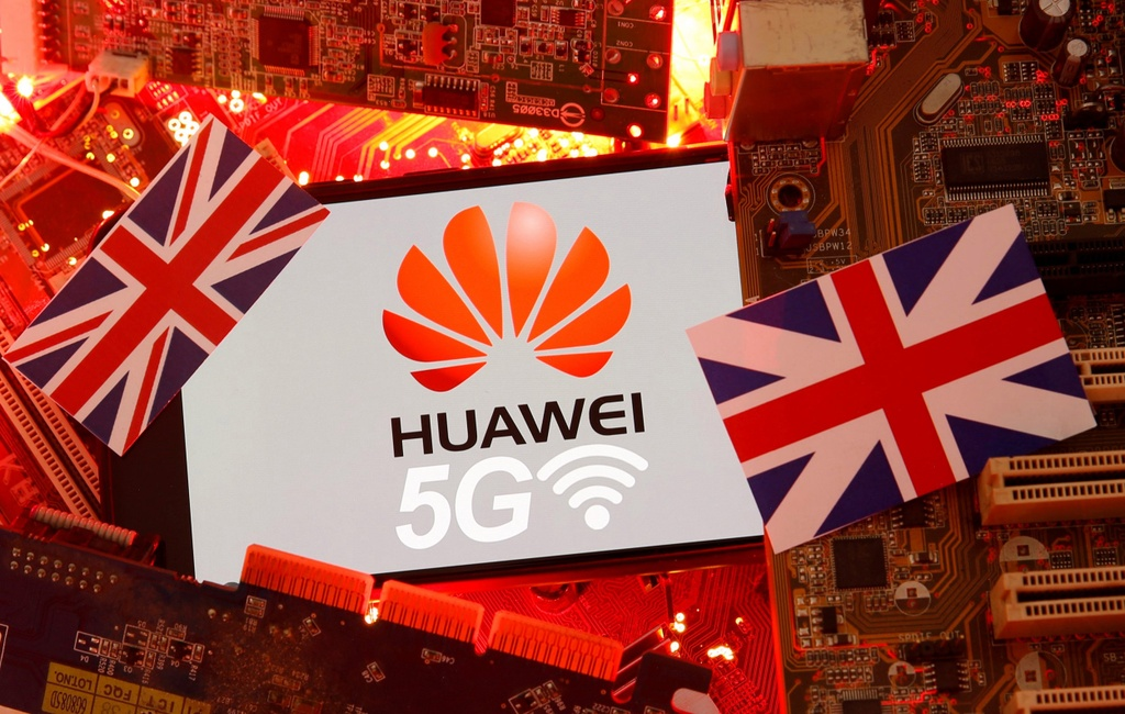 quyet dinh cua Anh va My anh huong den Huawei anh 1