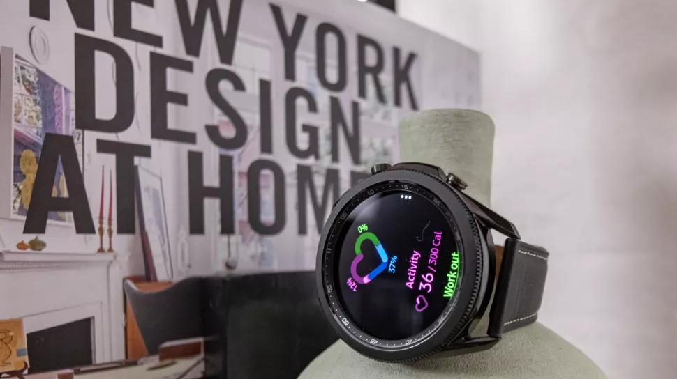 Can canh dong ho Samsung Galaxy Watch3 anh 7