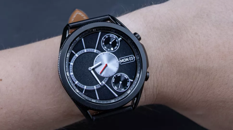 Can canh dong ho Samsung Galaxy Watch3 anh 11