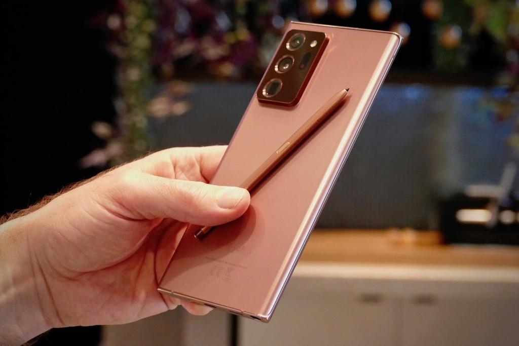 Nhung tinh nang tren Galaxy Note20 Ultra ma iPhone co the hoc hoi anh 3