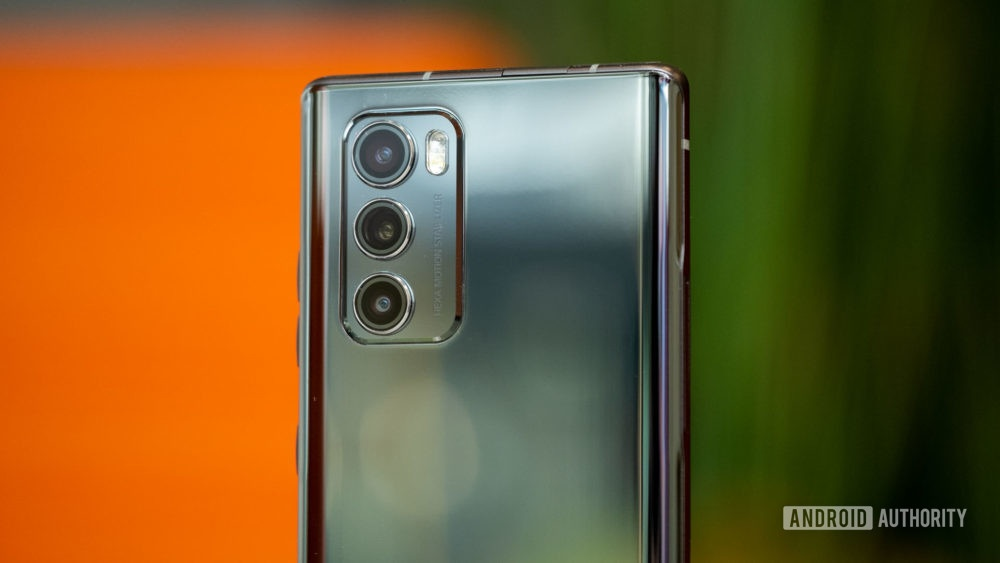 Can canh smartphone man hinh xoay LG Wing anh 10