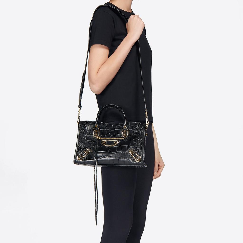 Tui Louis Vuitton 45.000 USD va loat thiet ke dat nhat hien nay hinh anh 10 Balenciaga.jpg
