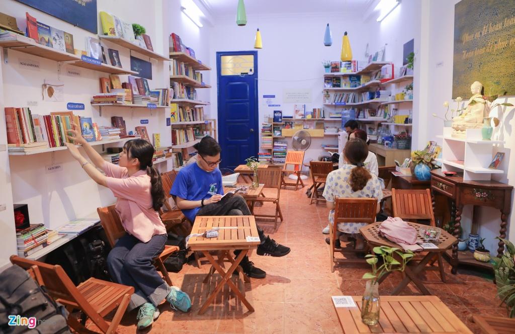 Đọc sách, uống trà miễn phí tại Hà Nội