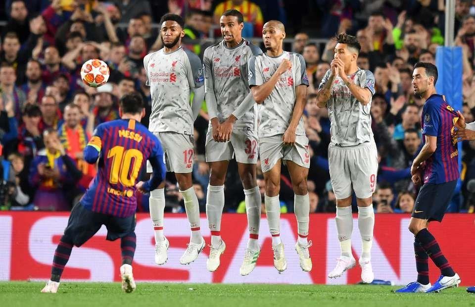 Cristiano Ronaldo vs Messi - ai moi la 'vua' trong PES 2020? hinh anh 7
