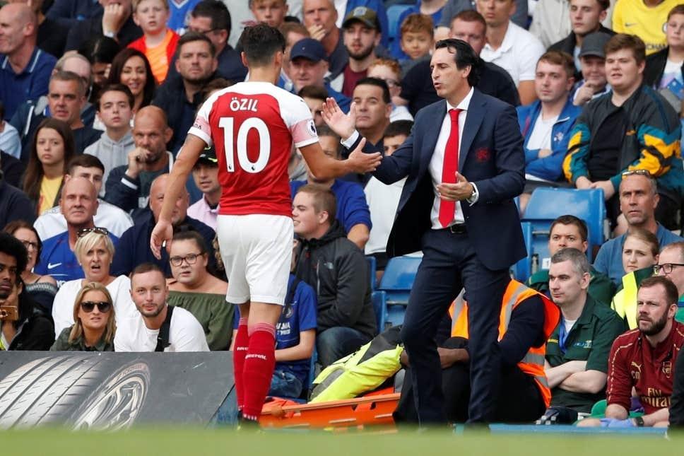 Tuong lai cua Mesut Oezil mo mit tai Arsenal hinh anh 1