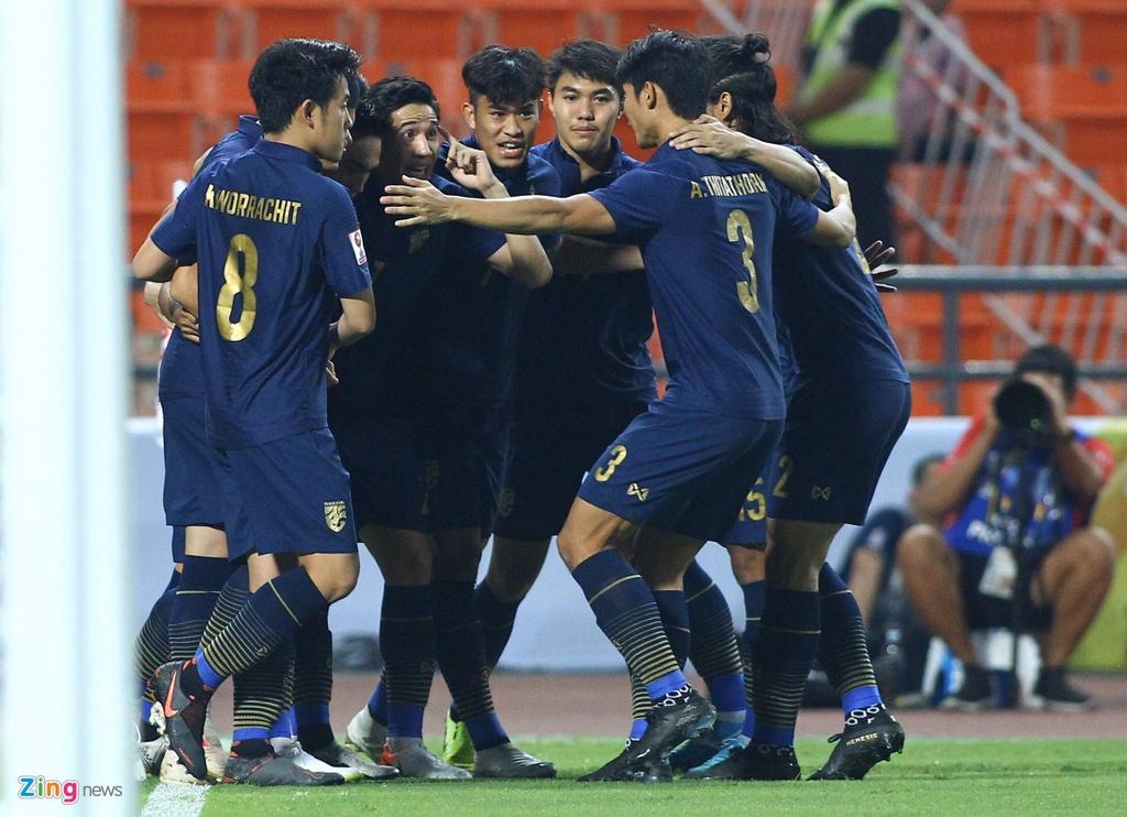 Cau thu U23 Iraq phan ung vi trong tai cho Thai Lan huong penalty hinh anh 7 iraq2_qt_zing.jpg