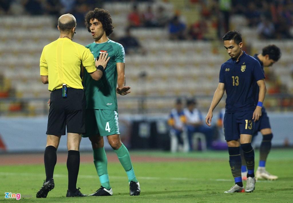 Cau thu U23 Iraq phan ung vi trong tai cho Thai Lan huong penalty hinh anh 5 iraq3_qt_zing.jpg