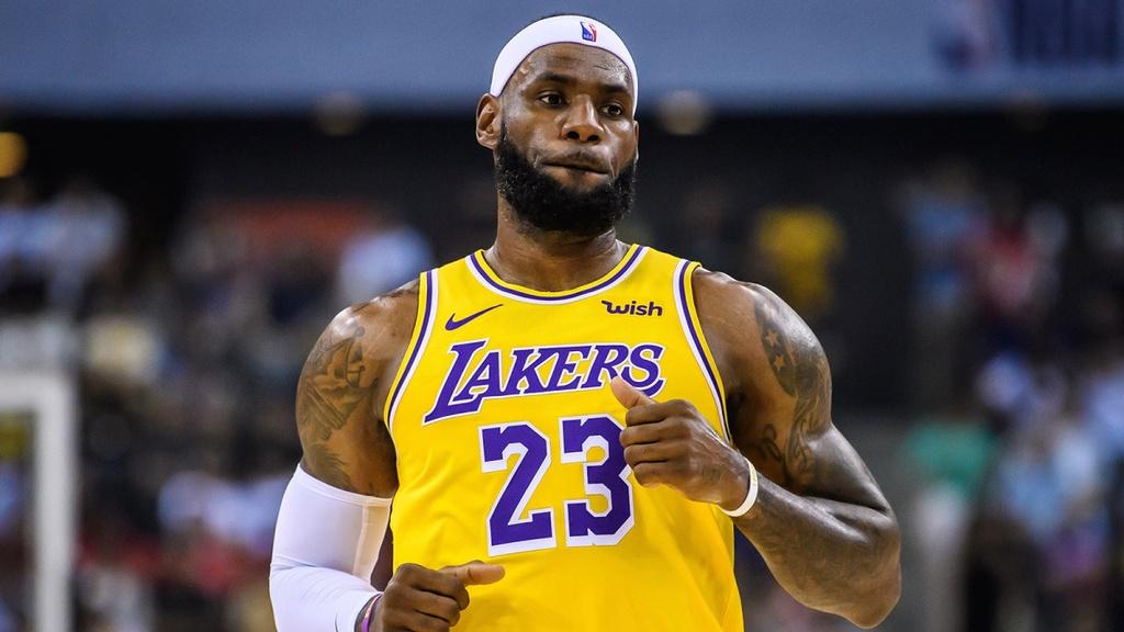 Stephen Curry, LeBron James va nhung cau thu huong luong cao nhat NBA hinh anh 4 d.jpg