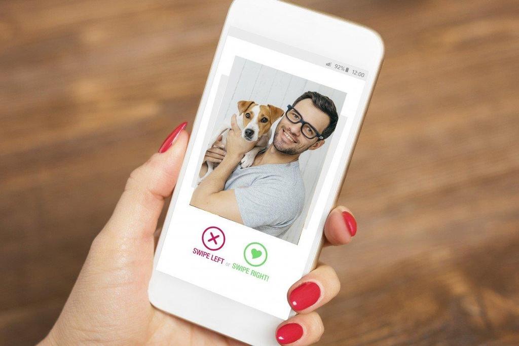 'Làm màu' là người yêu chó - 'cú lừa' để dễ hẹn hò Tinder