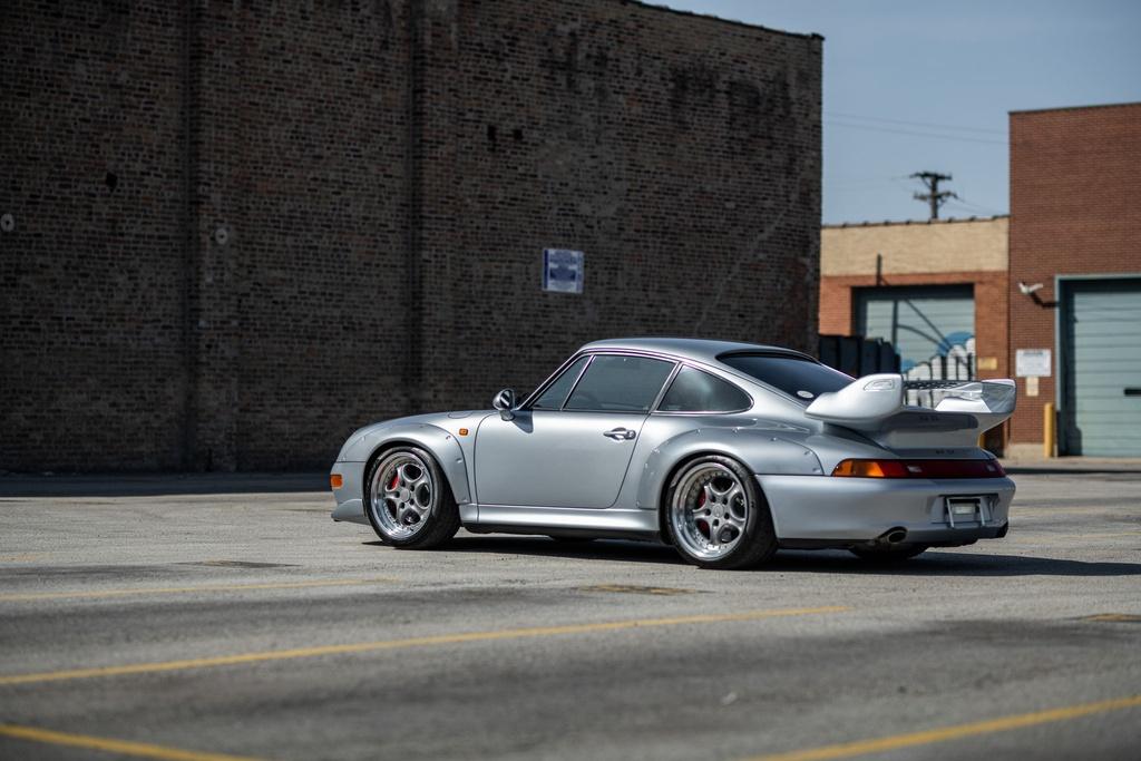 Chiec Porsche 993 GT2 hang hiem co gia trieu USD hinh anh 10 Porsche_911_GT2_34.jpg