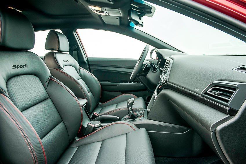 So sanh Mazda3 va Hyundai Elantra anh 12