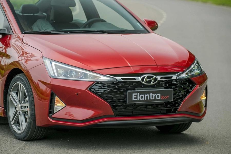 So sanh Mazda3 va Hyundai Elantra anh 5