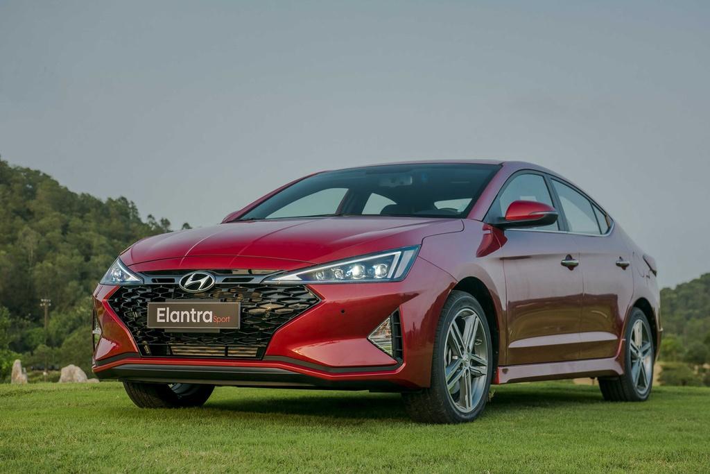 So sanh Mazda3 va Hyundai Elantra anh 3
