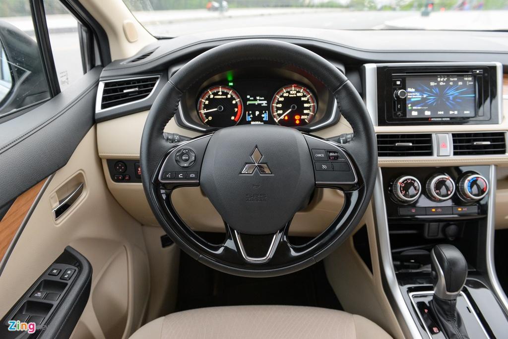 Suzuki XL7 va Mitsubishi Xpander - tan binh doi dau 'vua' phan khuc hinh anh 13 Mitsubishi_Xpander_Review_zing_4.jpg