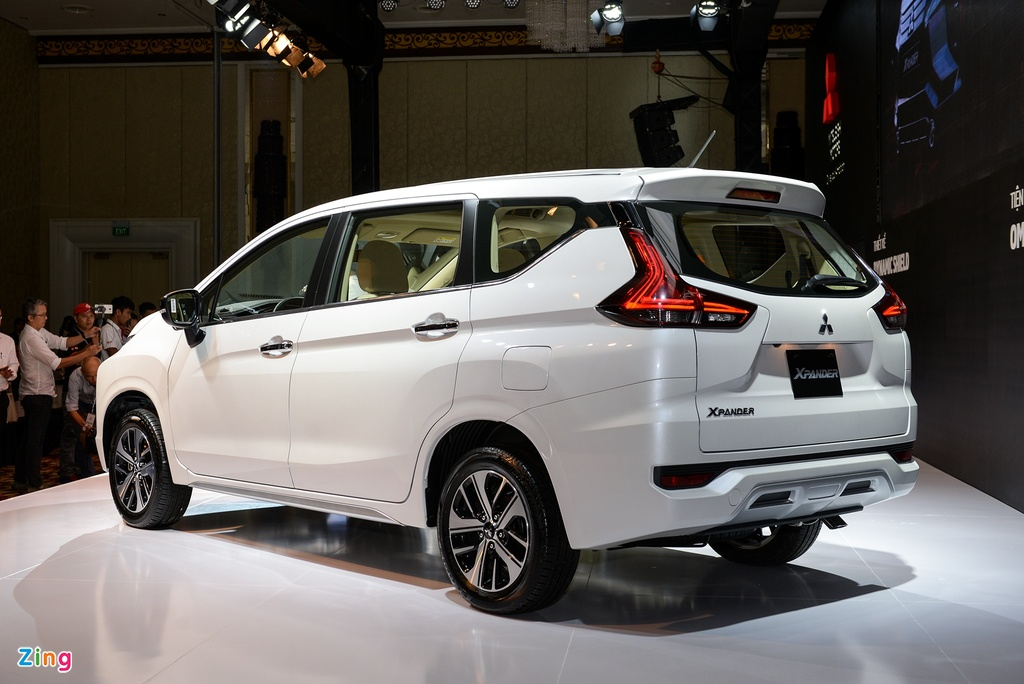 Suzuki XL7 va Mitsubishi Xpander - tan binh doi dau 'vua' phan khuc hinh anh 8 Mitsubishi_Xpander_zing_2.jpg