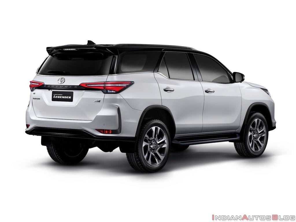 So sanh Toyota Fortuner va Hyundai Santa Fe moi anh 6