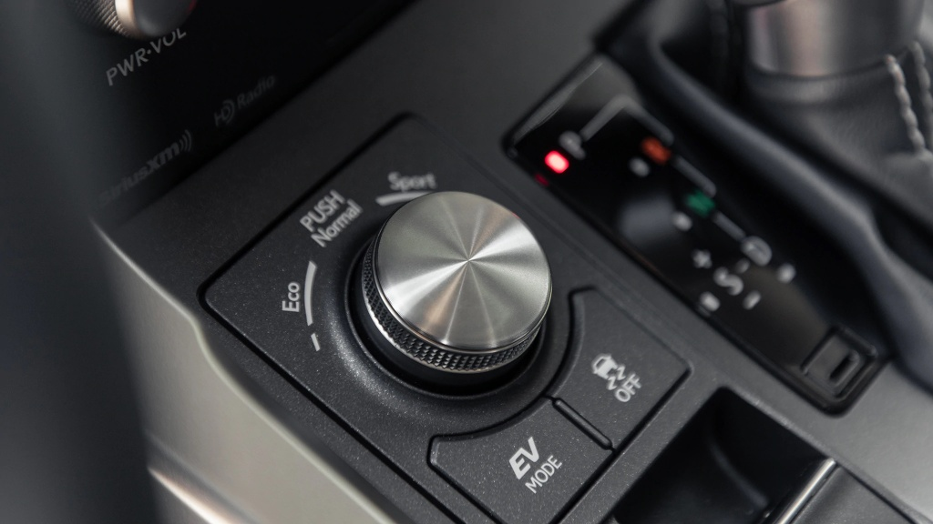 Danh gia Lexus NX 300h 2020 anh 7