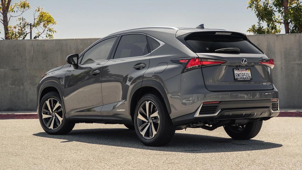 Danh gia Lexus NX 300h 2020 anh 3