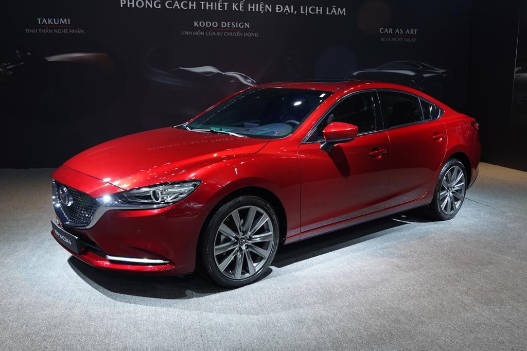 So sanh Mazda6 2020 va Toyota Camry 2019 anh 1