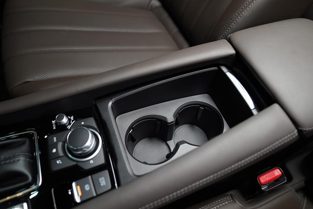 So sanh Mazda6 2020 va Toyota Camry 2019 anh 12