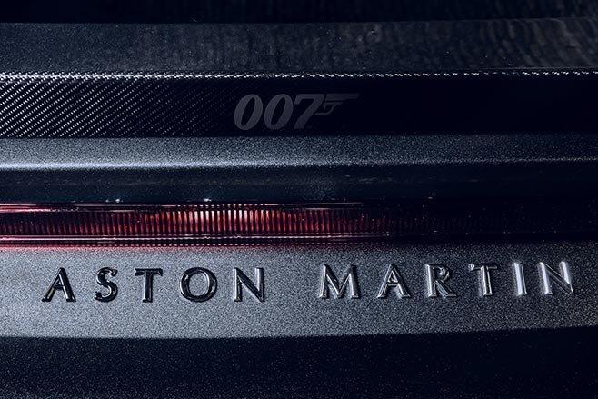 Aston Martin Vantage va DBS Superleggera ban diep vien 007 anh 24