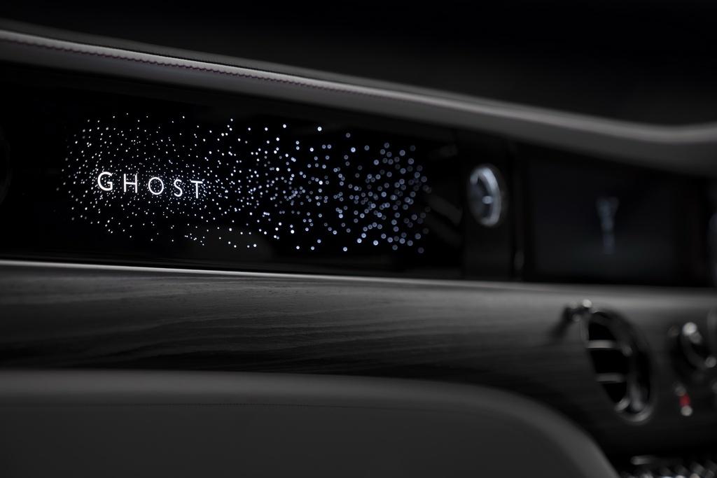 Rolls-Royce Ghost 2021 trinh lang,  gia tu 332.500 USD anh 11