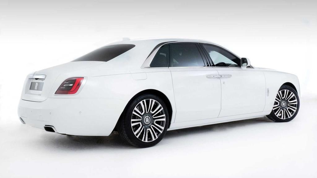 Rolls-Royce Ghost 2021 trinh lang,  gia tu 332.500 USD anh 3