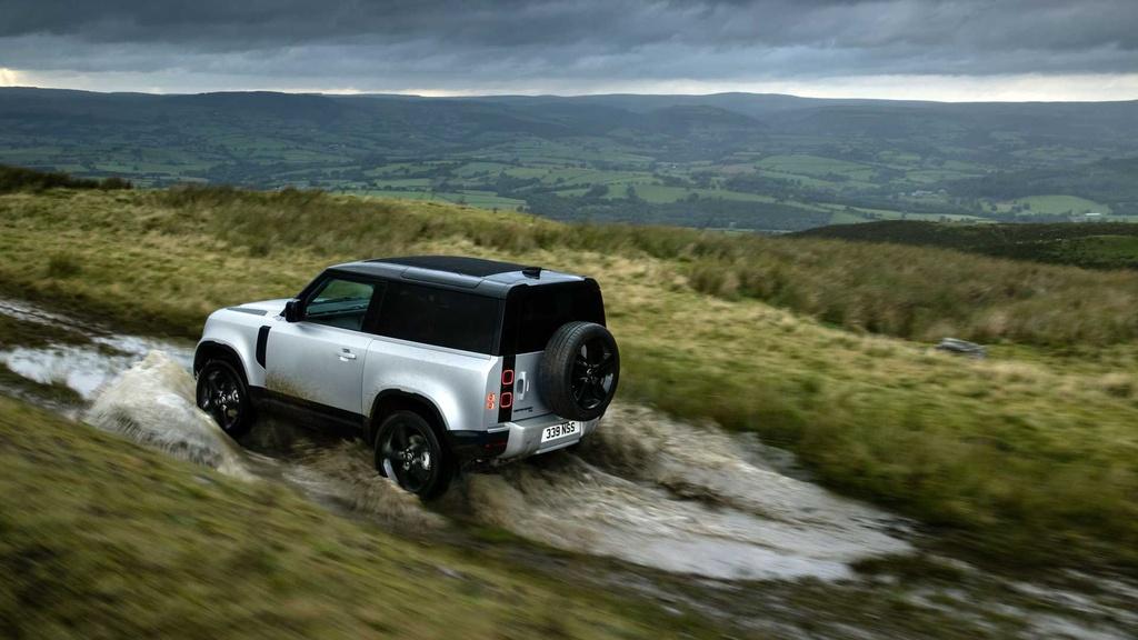 Land Rover Defender 2021 ra mat anh 16