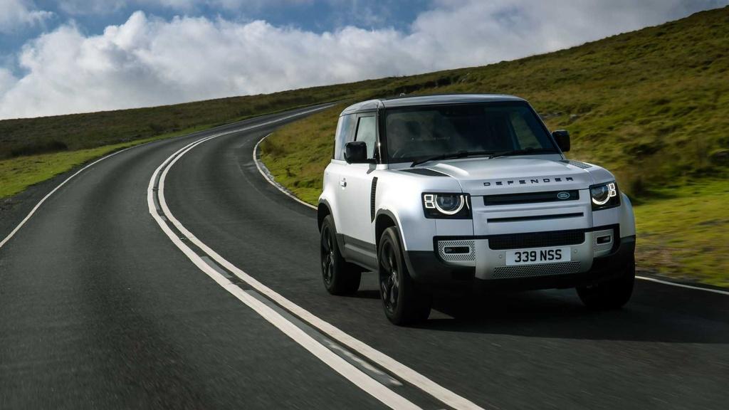 Land Rover Defender 2021 ra mat anh 2
