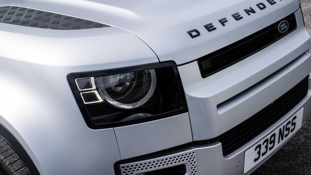 Land Rover Defender 2021 ra mat anh 17