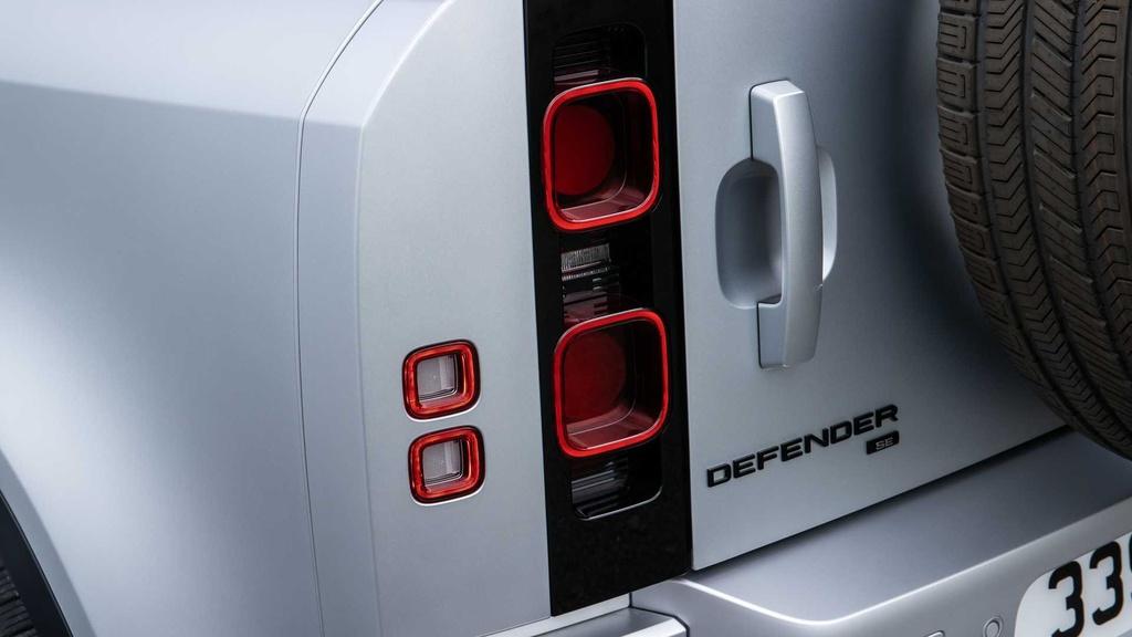 Land Rover Defender 2021 ra mat anh 18