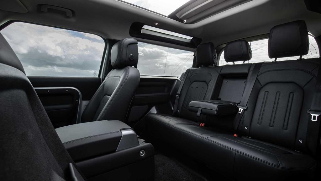 Land Rover Defender 2021 ra mat anh 10
