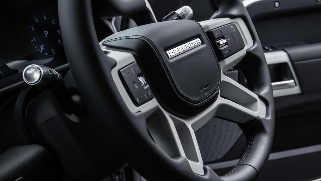Land Rover Defender 2021 ra mat anh 19