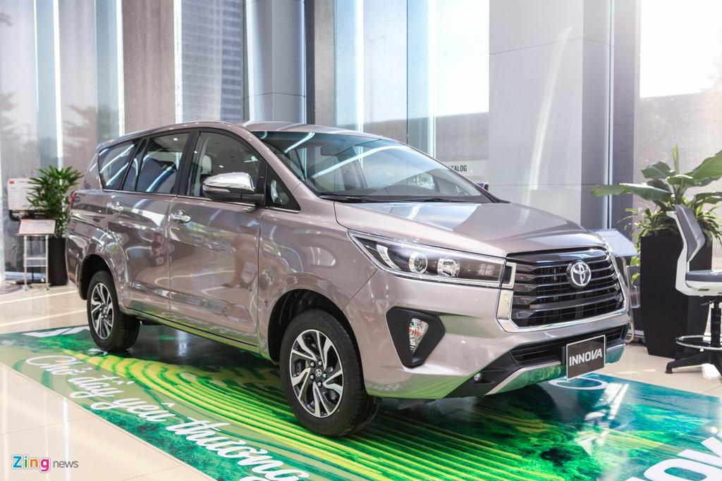 Mitsubishi Xpander bo xa Toyota Innova trong thang 10 anh 3
